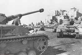 german tanks in acropolis greece