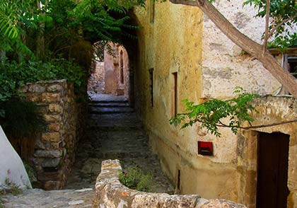Walk in the lower city of Monemvasia